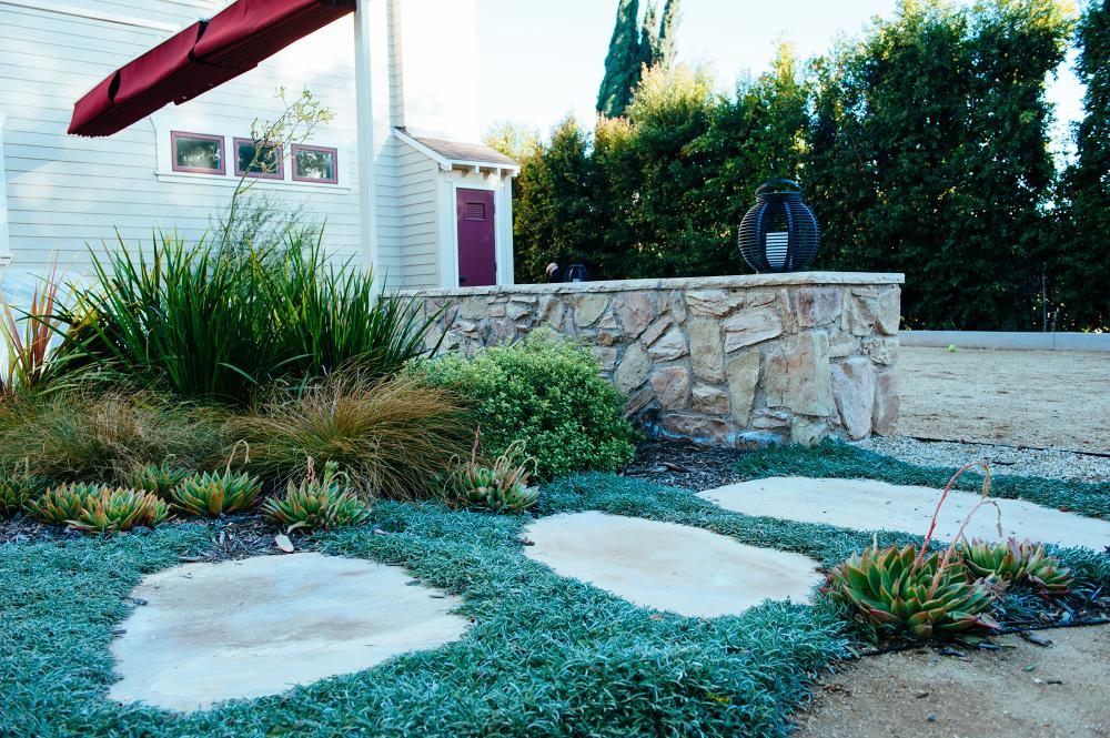 Los angeles craftsman garden viola gardens for Garden design los angeles